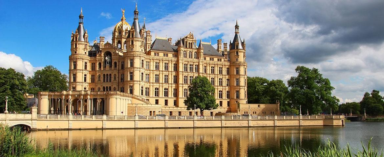Foto: Schloss Schwerin, Karnizz/fotolia